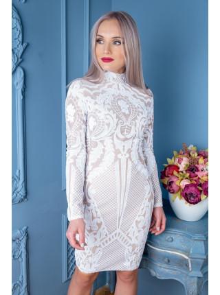 Сверкающее платье с узорами