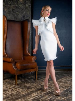 Праздничное платье с очаровательными крылышками