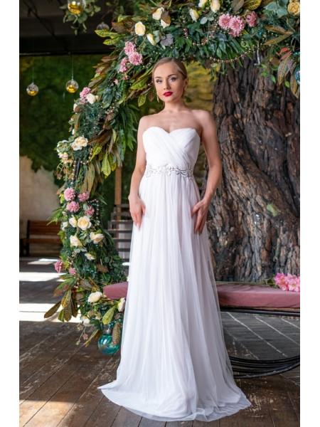 Платье в пол с украшением на талии
