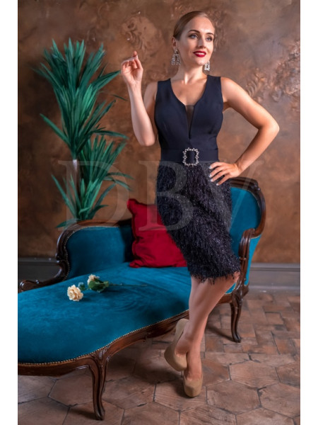 Коктейльное платье с низом из мелкой бахромы