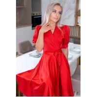 Атласное платье на запах с пышной юбкой красное