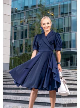 Атласное платье на запах с пышной юбкой синее