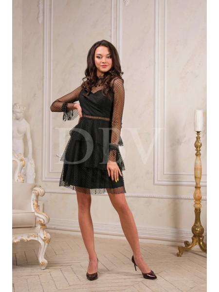 Кружевное платье с оборками