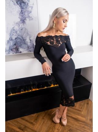 Бандажное платье с открытыми плечиками и кружевом
